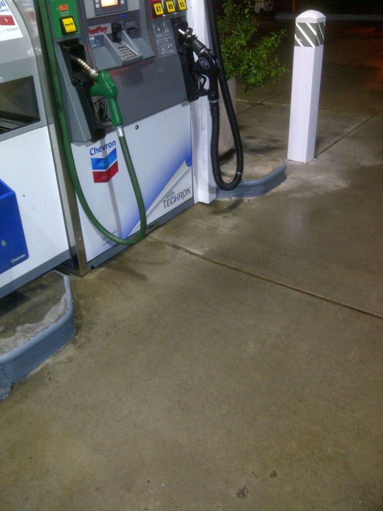 Concrete Cleaning Gas Station